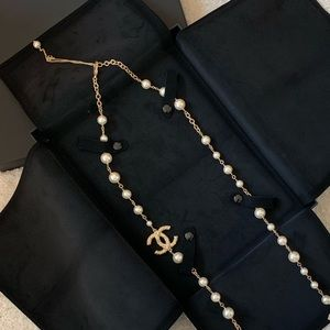 Authentic Chanel pearl necklace